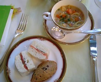 サンドイッチ、リエット、スープ