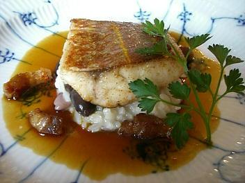 佐世保魚市で水揚げされたイトヨリと自家製ベーコンのムニエル 江迎産黒豆のリゾット添え