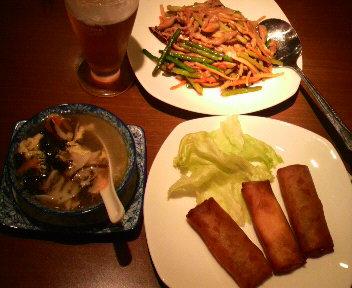 紫菜湯(台湾海苔スープ)/豚肉と野菜春巻/蒜苗肉絲(豚肉とニンニクの茎炒め)