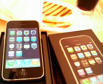 iPhone 3G 16GB/パニーノチキン/アイスコーヒー