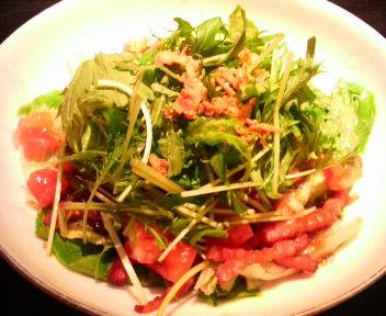 ベーコンと水菜のサラダ(特製和風ドレッシング)