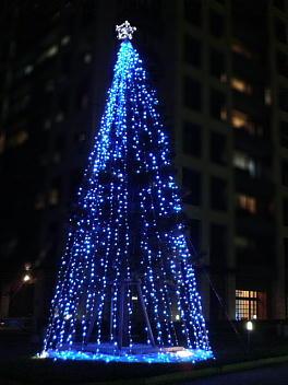 クリスマスツリー(NEXUSももちレジデンシャルタワー前)
