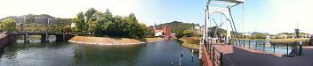 ハウステンボス キンデルダイク地区(クリックするとこのパノラマ写真の大きな写真(4136×892ドット、839KB)が開きます