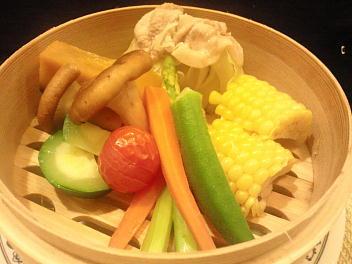 糸島野菜いっぱいセイロ蒸し