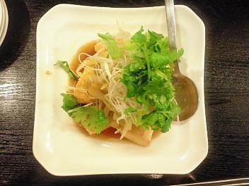 泡菜炸豆腐(揚げ豆腐白菜漬物添え)