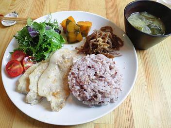 武富さんの雑穀をつかった和食ランチ