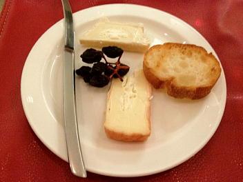 フランス産チーズ・シェーブル、エポワッス 2種盛