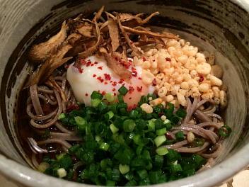 冷蕎麦(温玉・天カス・ネギ)