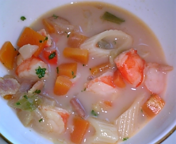 甲殻類のクリームスープ カレー風味