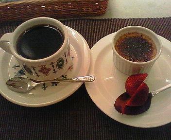 コーヒー/板垣さんの卵でクレームブリュレ