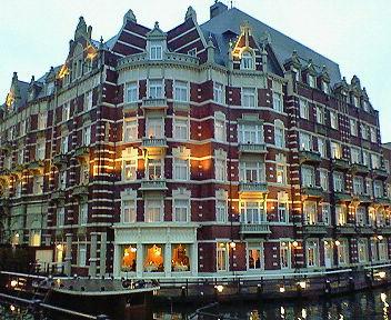 夕方のホテルヨーロッパ